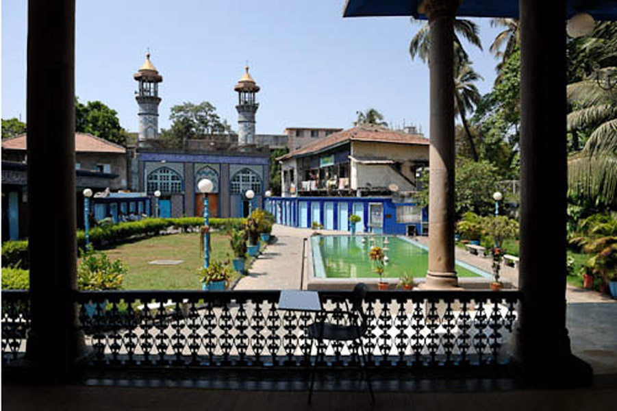Mogul Masjid, Mumbai, India, April 2009. Iranian Shias have been called Mogul in Mumbai, and their mosque as Mogul Masjid. (Photo: Reza Masoudi Nejad)