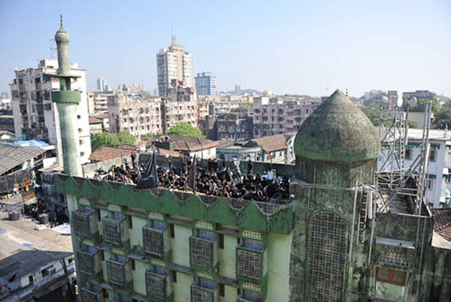 Imameyeh Mosjid, Dongri, Mumbai, India, December 2010 - I was surprised when I saw people are doing a ritual on the roof of mosque on Ashura day. Later I've been told that they believe manasek-e Ashura (ritual of Ashura day) must be done under sky; as the mosque does not have a courtyard they use the roof. (Photo: Reza Masoudi Nejad)