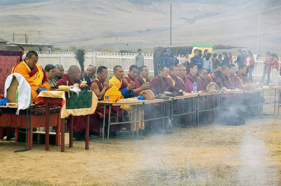Consecration of a stupa in honor of Dashi-Dorzho Etigelov, Orangoe, Buryatia. September 2005. (Photo: Justine Buck Quijada)