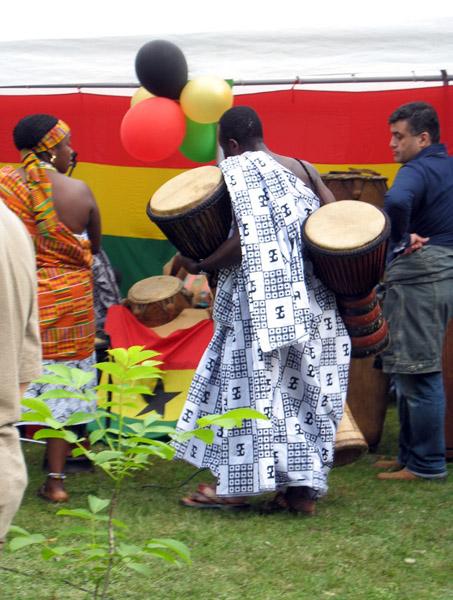 Drummer. Ghana@50 celebrations, Berlin. (Photo: Boris Nieswand)