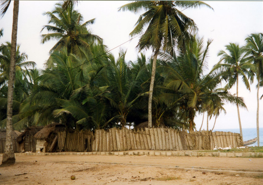Ewe fishing village (Central Region, Ghana). (Photo: Boris Nieswand)