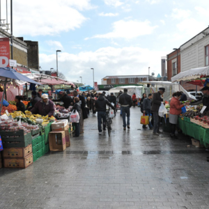 Street market in Hackney. (Photo: Doerte Engelkes)