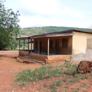 The former deaf school in Adamorobe. (Photo: Annelies Kusters)