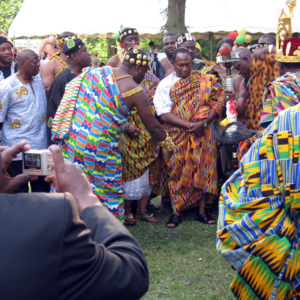 Tufuhene (traditional war captain) of Akropong pouring libation. Ghana@50 celebrations, Berlin. (Photo: Boris Nieswand)