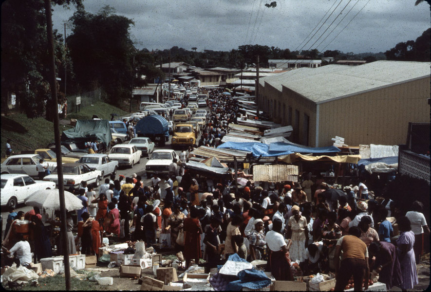 Market day in Penal. (Photo: Steven Vertovec)