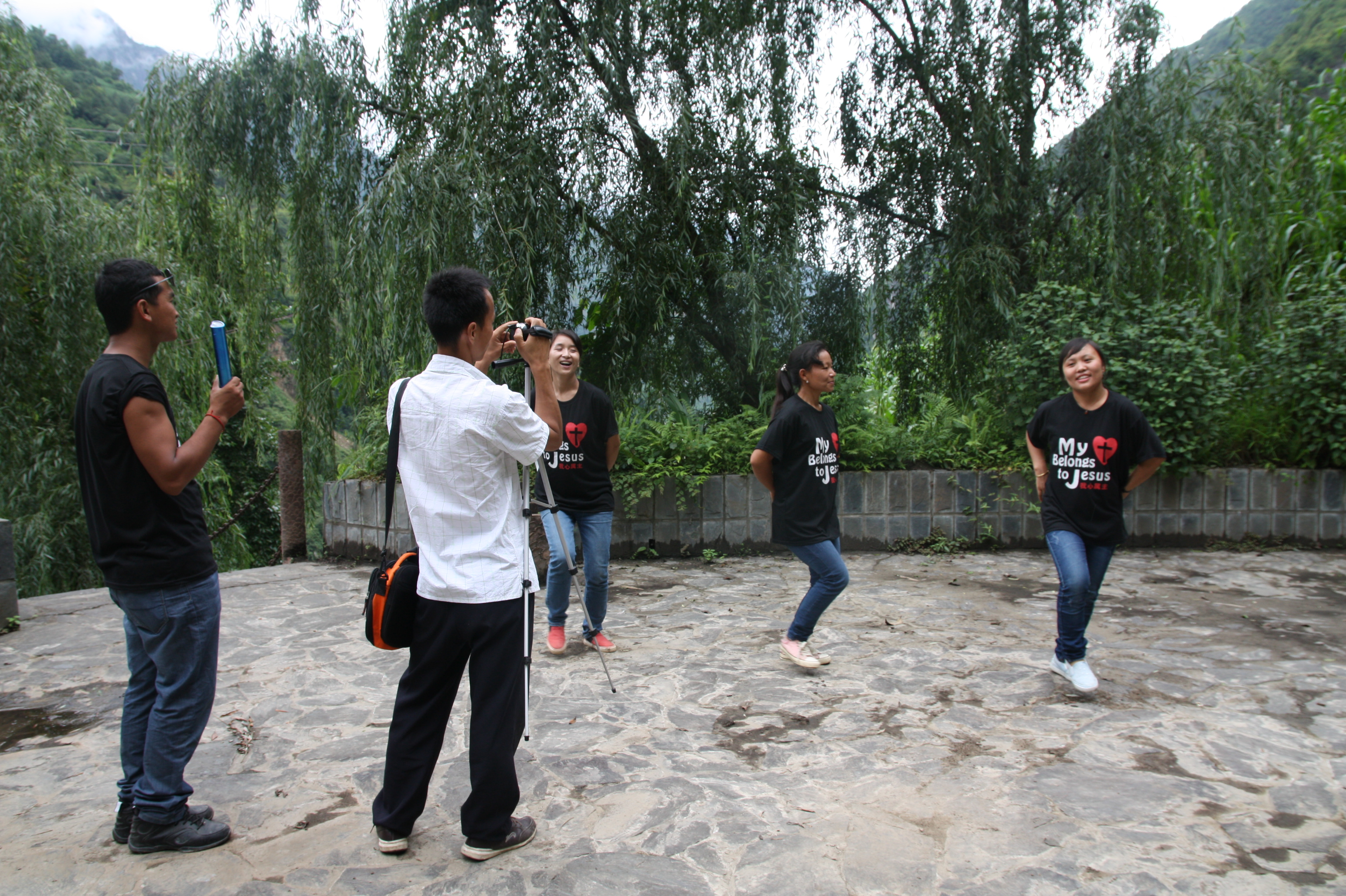 Lisu music group taking videos for their second music DVD, Fugong County, 23 June 2014. (Photo: Ying Diao)