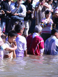 Karen Baptist Christian networks in refugee camps at the Thailand-Burma border