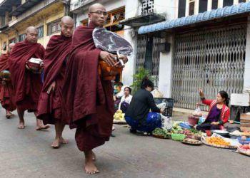 Yangon market scenes (N. Hellmann)