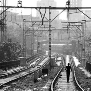 Dockyard Rd Station, Mumbai, December 2009. (Photo: Reza Masoudi Nejad)