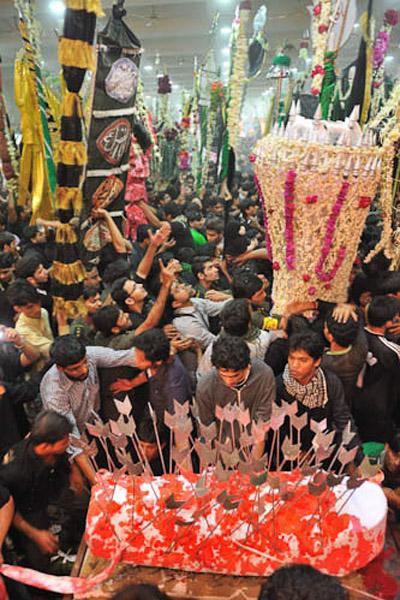 Taboot: Qaysar Bagh (Kesar Bag), Mumbai, India, December 2009. (Photo: Reza Masoudi Nejad)