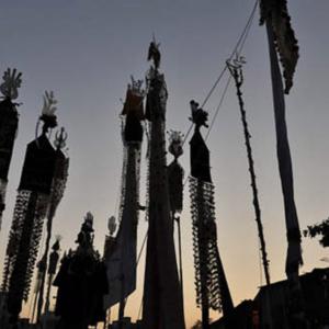 Allams (symbolic flags), the procession of Sham-I Ghariban, afternoon of Ashura day, Mumbai, December 2009. (Photo: Reza Masoudi Nejad)