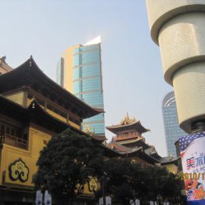 Gentrification and the development of a Buddhist organization, 2010, Jingan Temple, Shanghai. (Photo: Weishan Huang)