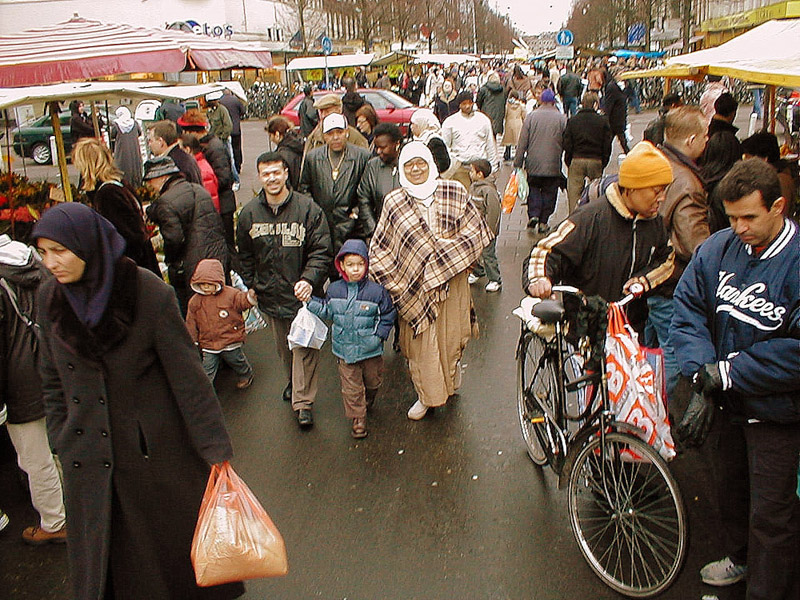 Dappermarkt, Amsterdam. (Photo: Steven Vertovec)