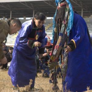 Director of the Tengeri shaman's organization in trance at a Tailgan ceremony. Verkhne Beriozovkhe. September 2005. (Photo: Justine Buck Quijada)