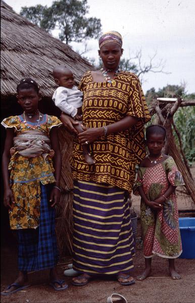Fulani nomads (close to M'Bengué, Côte d'Ivoire). (Photo: Boris Nieswand)