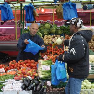 Street market in Hackney. (Photo: Doerte Engelkes)