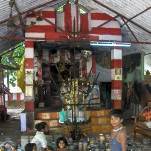 Healing Shrine, Tamil Nadu 2007. (Photo: Gabriele Alex)