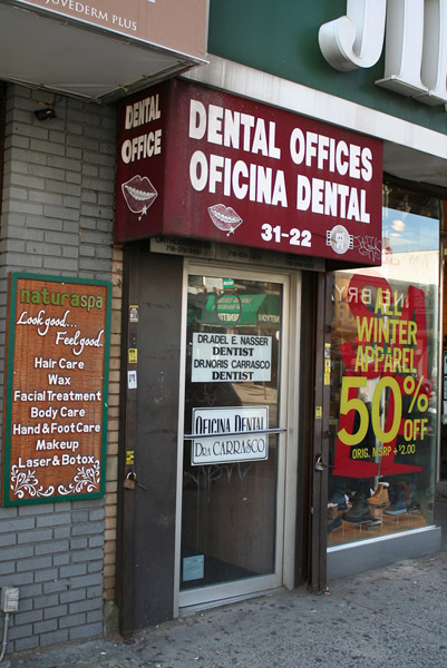 Egyptian and Mexican dentists. (Photo: Steven Vertovec)