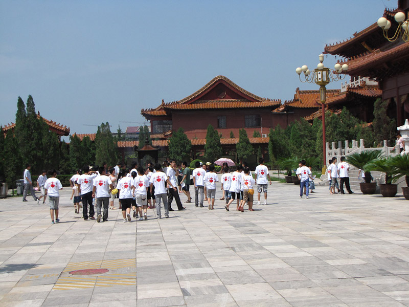 A Christian youth camp visits the Buddhist Bailin Monastery in Hebei Province, China. (Photo: Gareth Fisher)