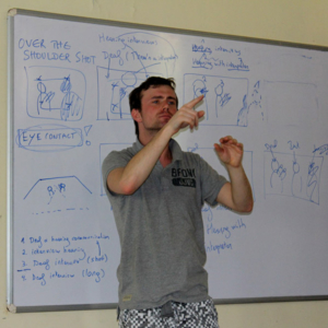 Jorn Rijckaert (Visual Box) explaining how to frame different kinds of interviews. (Photo: Annelies Kusters)