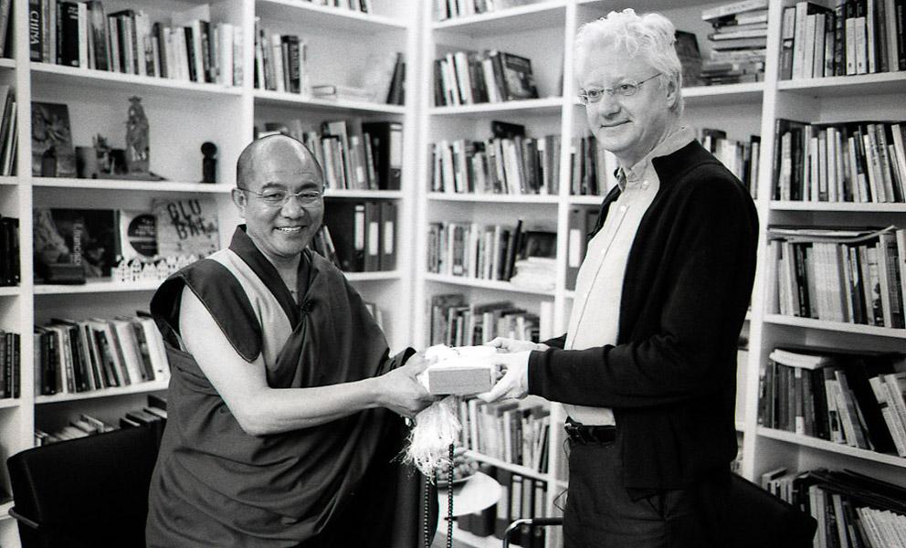 Khenpo Sodargye with Peter van der Veer at Max Planck Institute, April 2013. (Photo: Dan Smyer Yu)