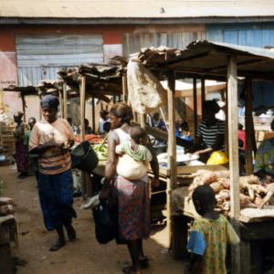 Market (Dormaa Ahenkro, Ghana). (Photo: Boris Nieswand)