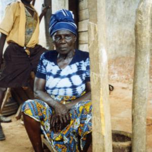 Old woman (Dormaa District, Ghana). (Photo: Boris Nieswand)