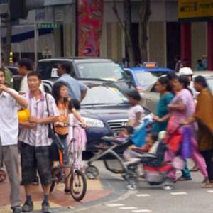Diversity of people on Singapore street. (Photo: Steven Vertovec)