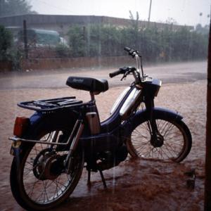 Rainy season. (Photo: Boris Nieswand)
