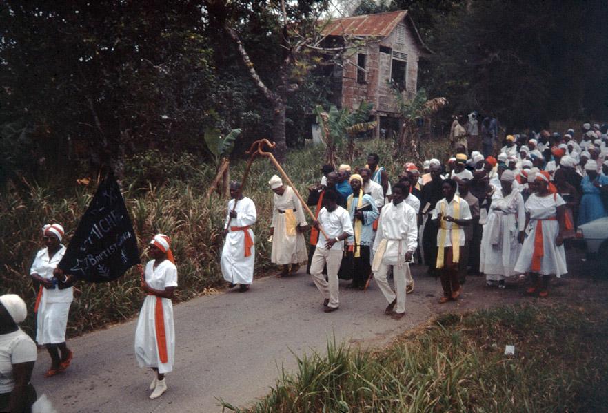 Spiritual Baptist procession, southern Trinidad. (Photo: Steven Vertovec)