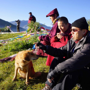 Taking a break from a landscape study with monks in a Tibetan location. (Photo: Dan Smyer Yu)