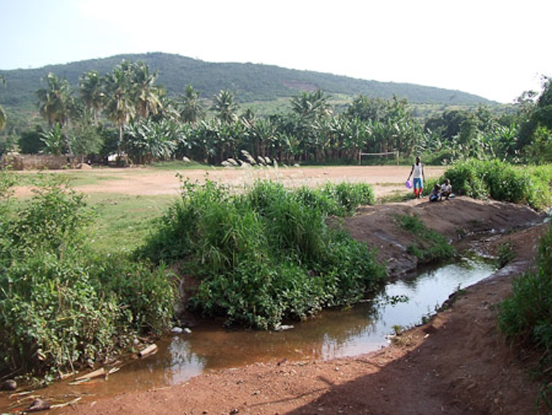 The river that is said to have caused the deafness in Adamorobe. (Photo: Annelies Kusters)