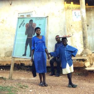 Two girls (Dormaa District, Ghana). (Photo: Boris Nieswand)