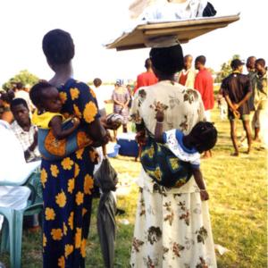 Two women (Ho, Ghana). (Photo: Boris Nieswand)