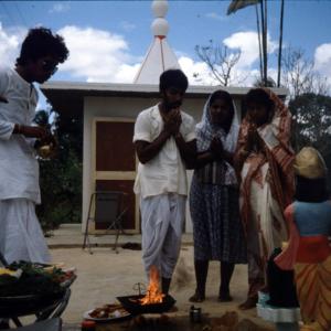 Family puja (ritual offerings). (Photo: Steven Vertovec)