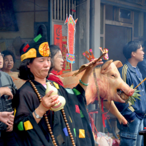 Taiwan – Spirit medium channelling the deity Jigong (1). (Photo: Fabian Graham)