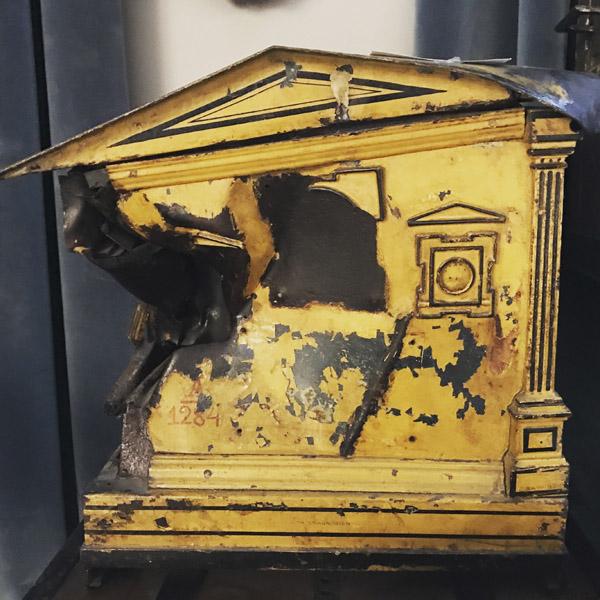 A Habsburg mailbox in the postal museum (Photo: Giulia Carabelli)